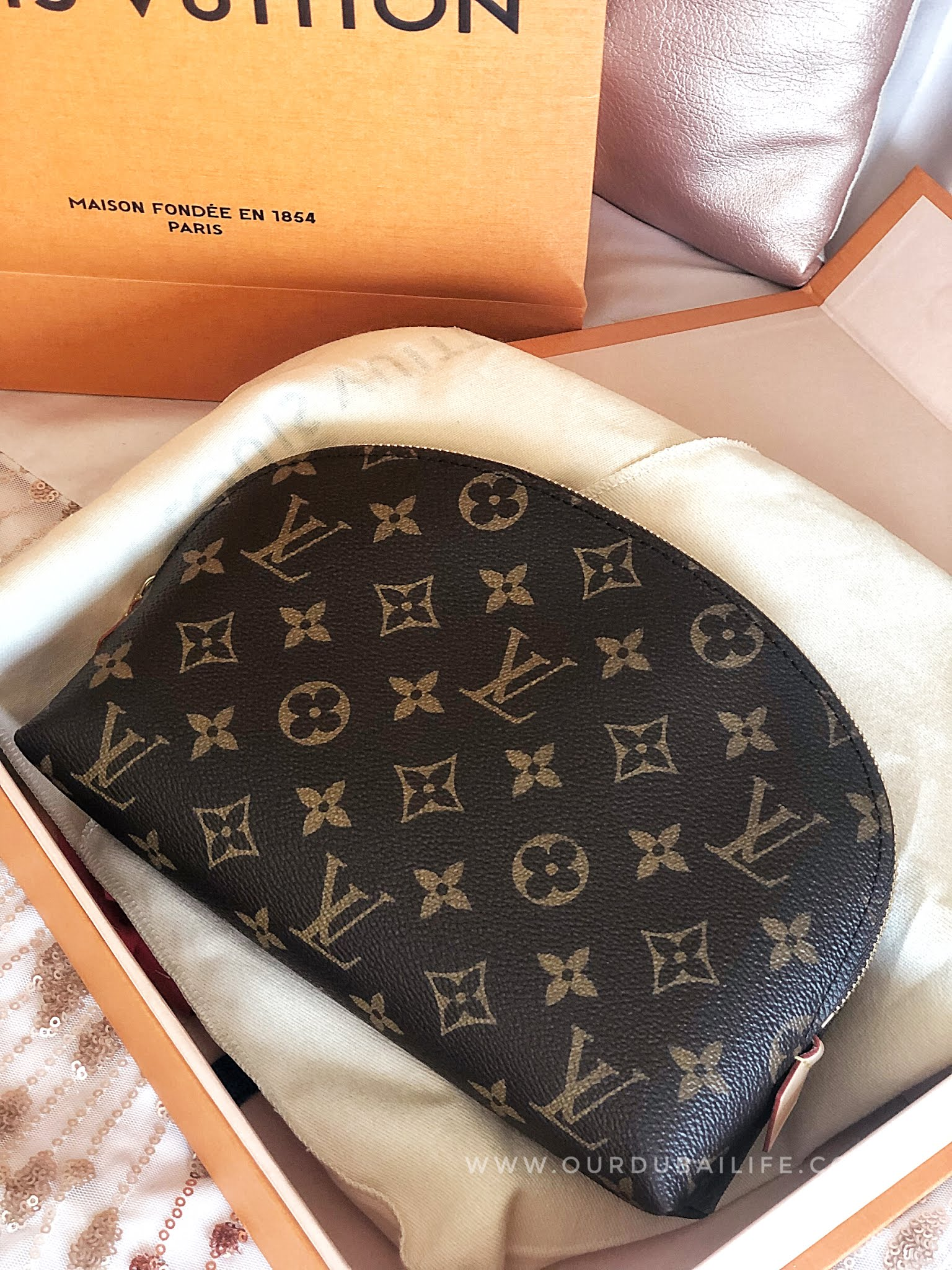 Louis Vuitton monogram cosmetic pouch GM reveal