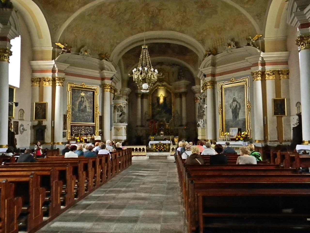 ołtarz kościoła w Zbąszyniu