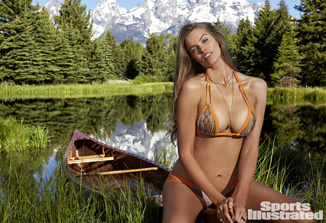 Robyn Lawley Makes History as the First Plus-Sized Model to Appear in the Sport's Illustrated Swimsuit Issue