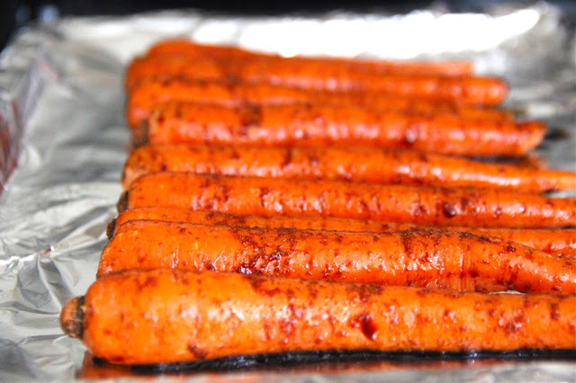baked carrot fries, carrot fries, french fry alternative, healthy french fry recipe, baked french fries, roasted carrot recipe