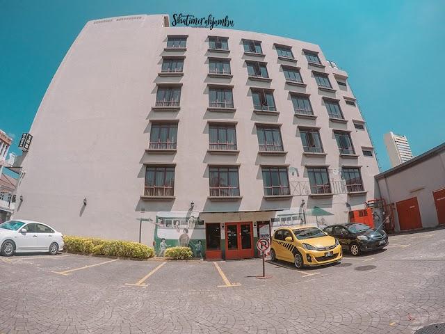 Bermalam di Hotel Mimosa Melaka