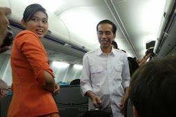 Pramugari Pesawat Kepresidenan Kaget Lihat Tingkah Jokowi Saat Bersihkan Mejanya: Baru Pertama Kali!