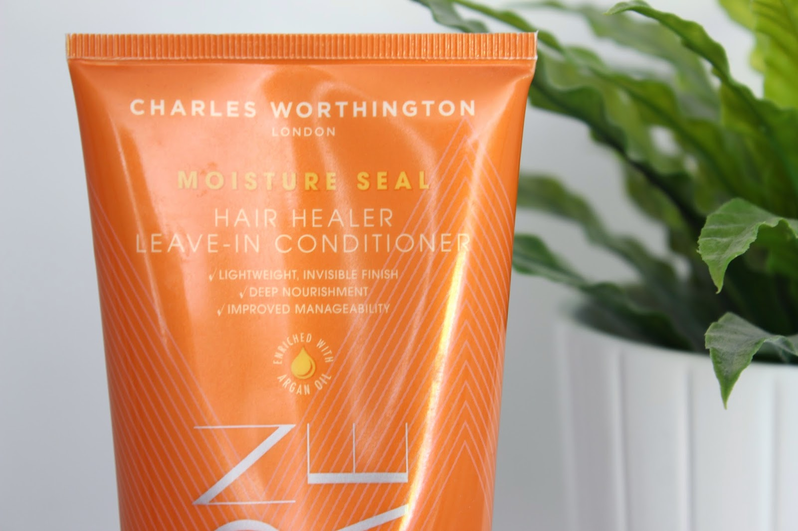 Charles Worthington Hair Healer Leave In Conditioner // Review