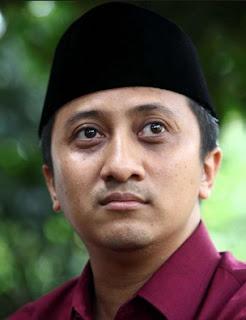 Ustad Yusuf Mansyur yang merupakan pimpinan Pondok Pesantren Daarul Alquran Bulak Santri Kumpulan Kata Kata Mutiara Bijak Ust. Yusuf Mansyur Penuh Hikmah