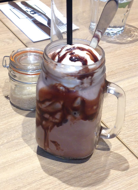 Billy's Central, Melbourne, iced chocolate