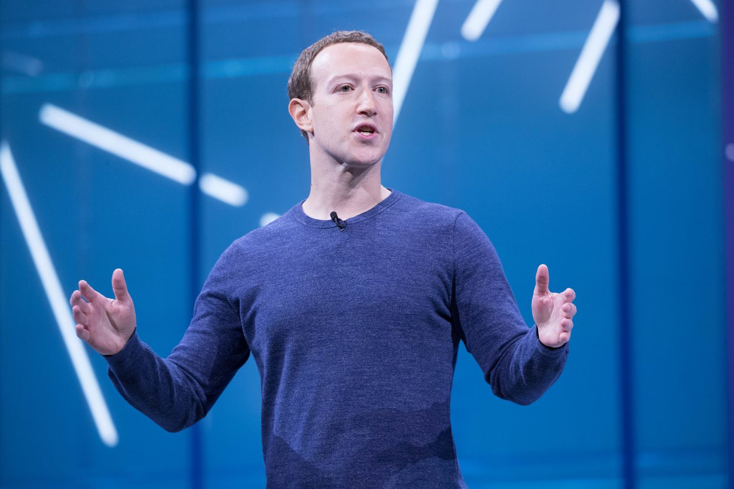 Facebook properties saw content consumption slide 7% in September, analysis finds