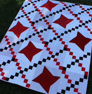 Black-and-White-Quilt-with-Red