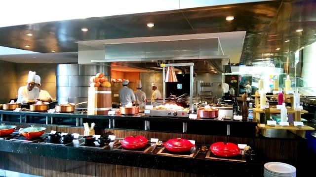 Glasshouse Hyatt Regency Sunday Brunch Open Kitchen