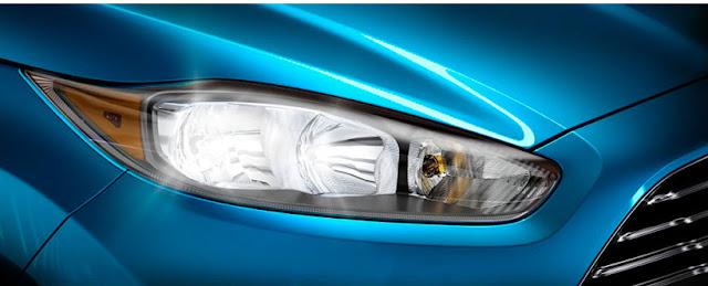 फोर्ड इकोस्पोर्ट front side and head light