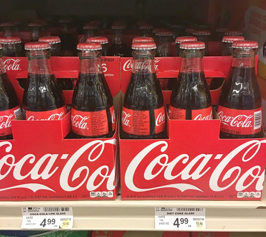 BellaGrey Designs: Coca-Cola Holiday Party Tips