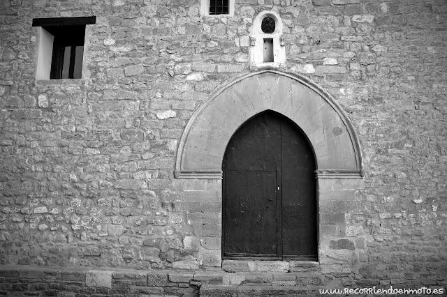 Puerta del convento de las Agustinas Ermitañas, Mirambel