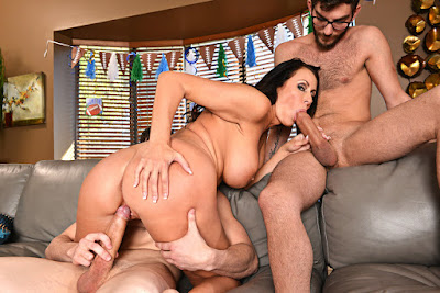 Reagan Foxx – My Friend's Hot Mom