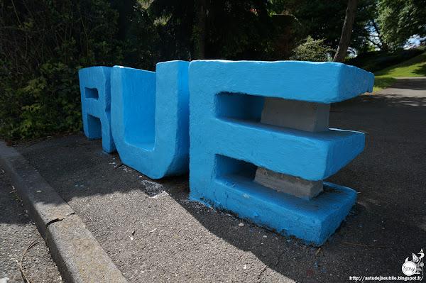 """Elancourt - Résidence du Pré-Yvelines, Pistons et Cylindres. Maisons OCIL  Architectes: Philippe et Martine Deslandes  Projet / Construction: 1969 - 1973    200 maisons: 81 """"Pistons"""" et 119 """"Cylindres"""""""