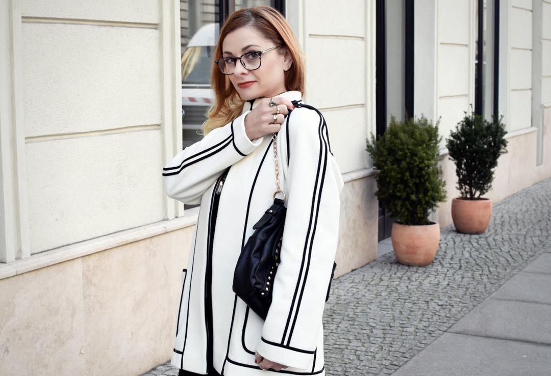 Weißer Blazer mit schwarzen Ziernähten, Modeblog, Ü40 Blog