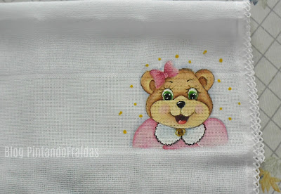 fraldinha de boca com pintura de ursinha rosa