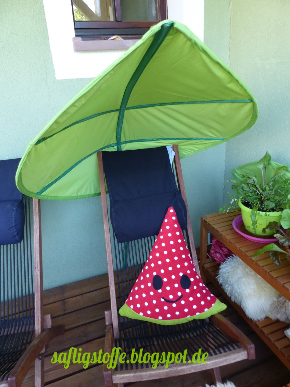 Stoff-Melone auf Liegestuhl