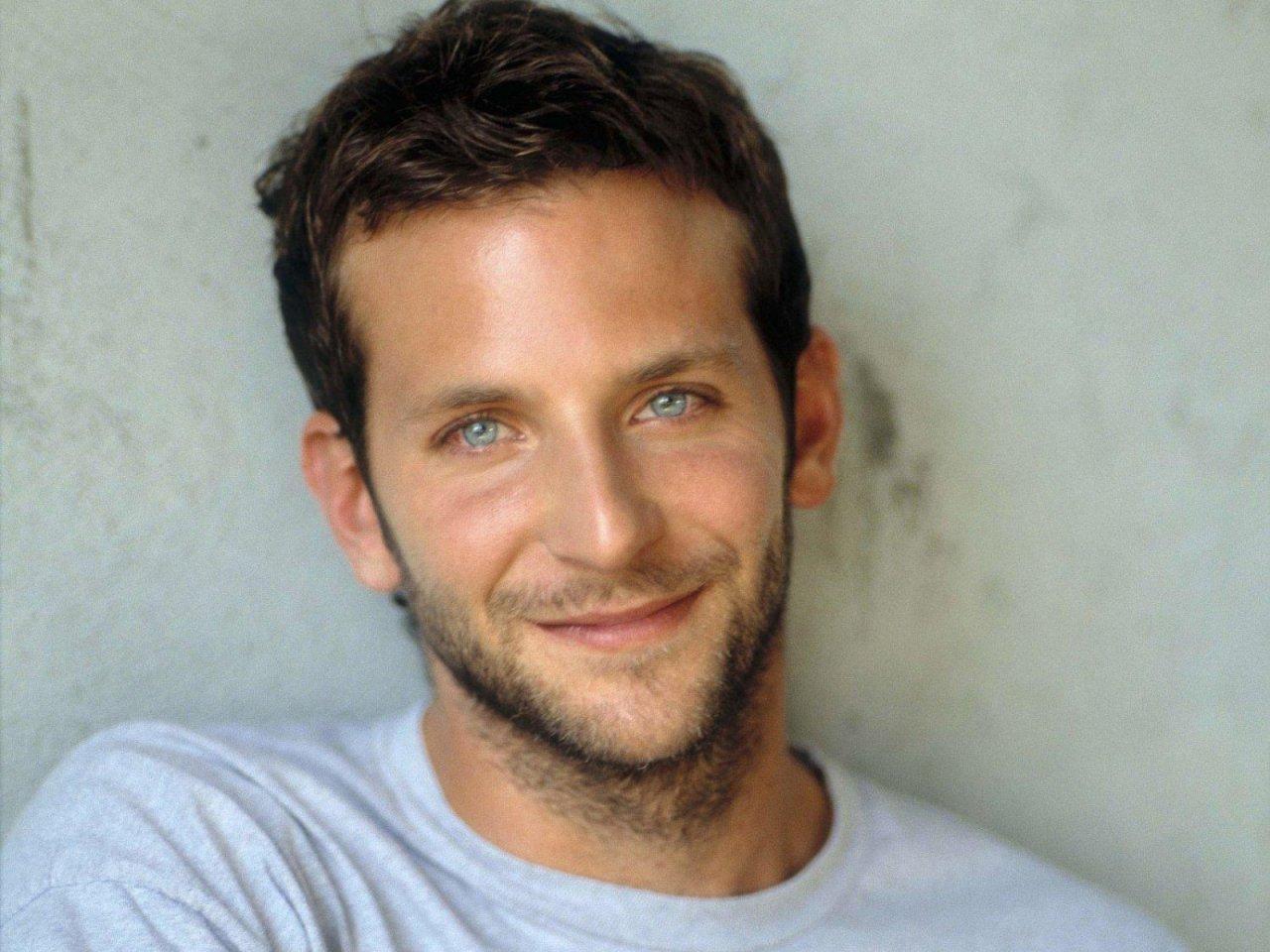 Bradley Cooper Sexy 54