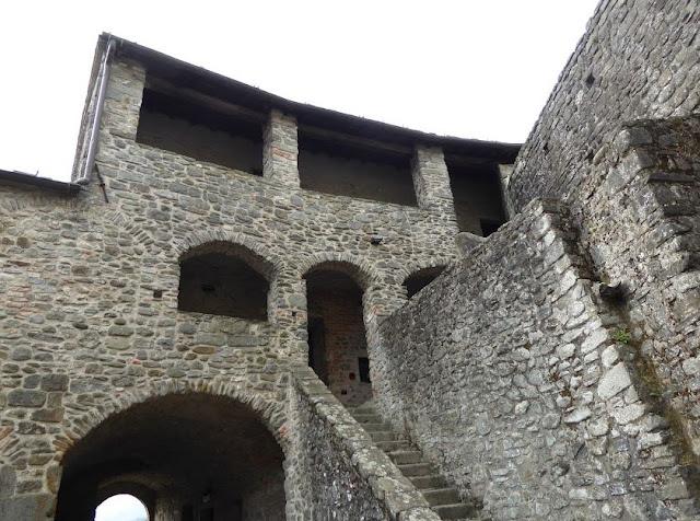 corte quattrocentesca del castello del Piagnaro