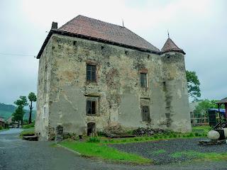 Замок Сент-Міклош. Музей і туристична перлина