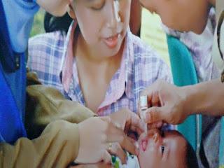 Gambar Pemberian Vaksin Polio BCG dan Chotypa (Kolera, Typhus dan Paratyphus)
