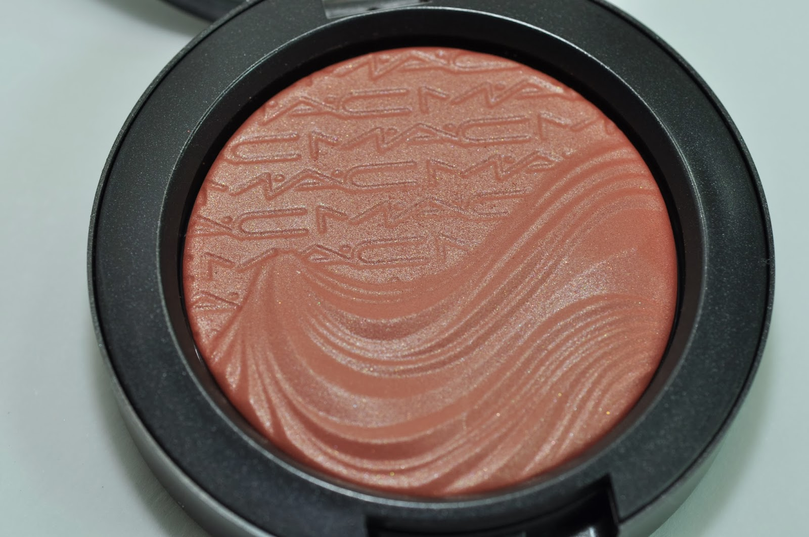 beauty squared: MAC Magnetic Nude Extra Dimension