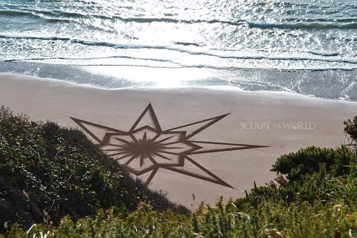 07-Jon-Foreman-Land-art-Geometric-Drawing-in-the-Sand-www-designstack-co