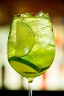 Aprenda a fazer a Gim-tônica de maçã-verde do Madero