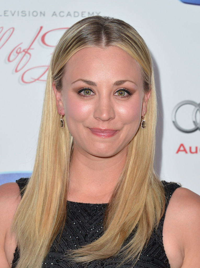 Celeb Diary Kaley Cuoco 22nd Annual Hall Of Fame