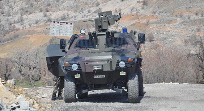 Diyarbakır Kulp'ta güvenlik korucularına saldırı