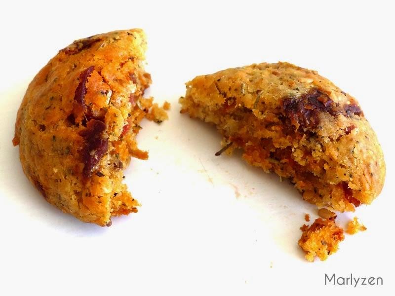 Cookies au chorizo, parmesan et tomates séchées.