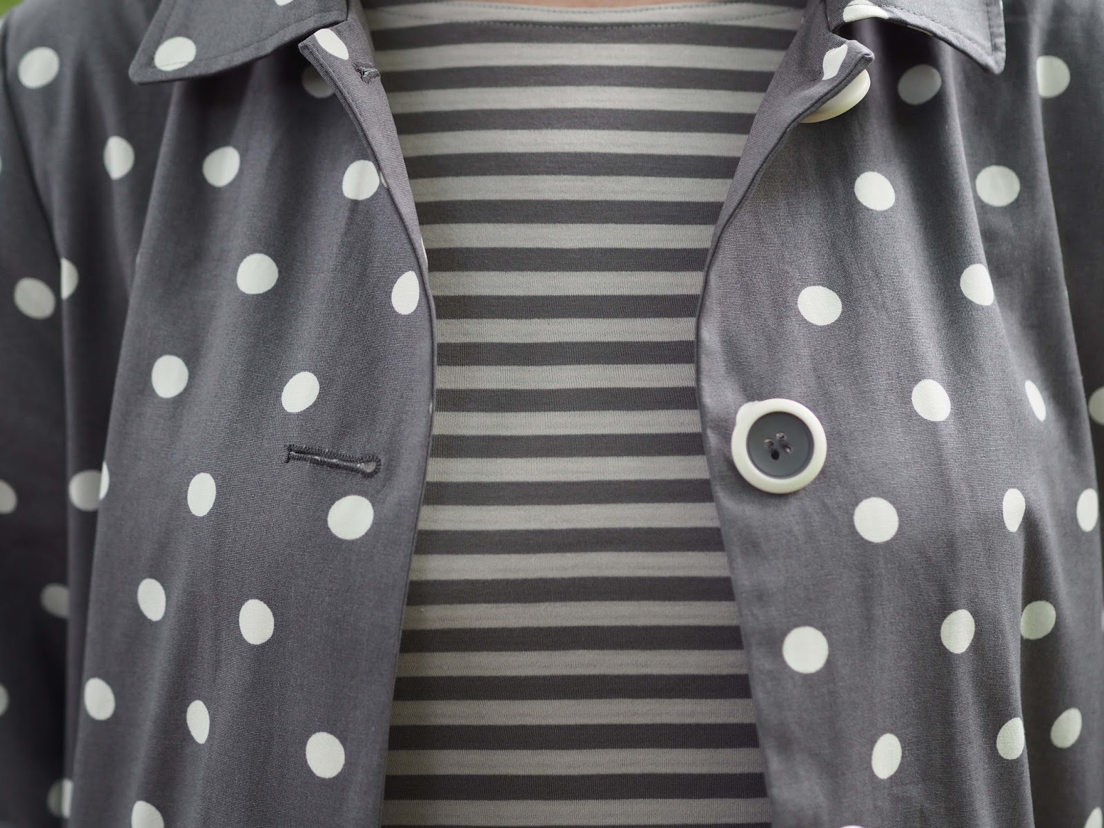 Tulchan grey spotted raincoat, grey breton and grey jeans
