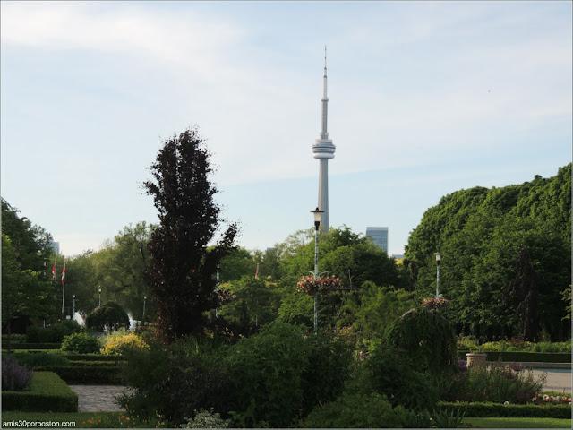 Vistas de la Torre CN desde las Islas de Toronto: Toronto Island Park