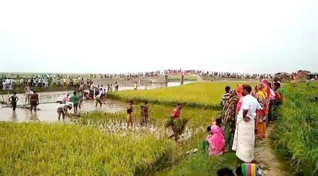 স্লুইস গেট খুলেছে ভারত, ডুবছে গোমস্তাপুর