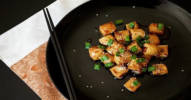 Crispy Honey Garlic Tofu Bites