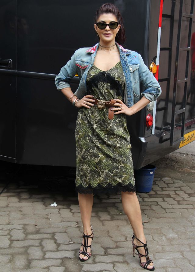Jacqueline Fernandez In green dress At A Gentleman Movie Promotion