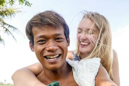 Viral, Nur Khamid Yang Menikahi Bule Inggris