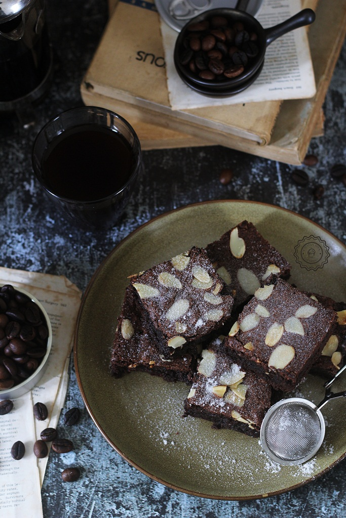 COFFEE PENNYLANE BROWNIES