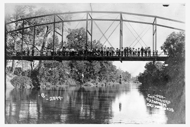 Lynching of Laura and Lawrence Nelson (May 25, 1911) Postcard by George Henry Farnum