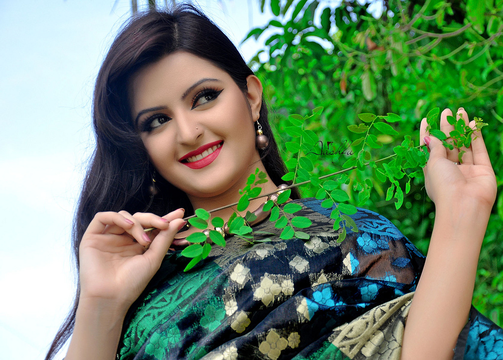 Bangladeshi Actress Pori Moni Hot Latest Hd Pictures -7719