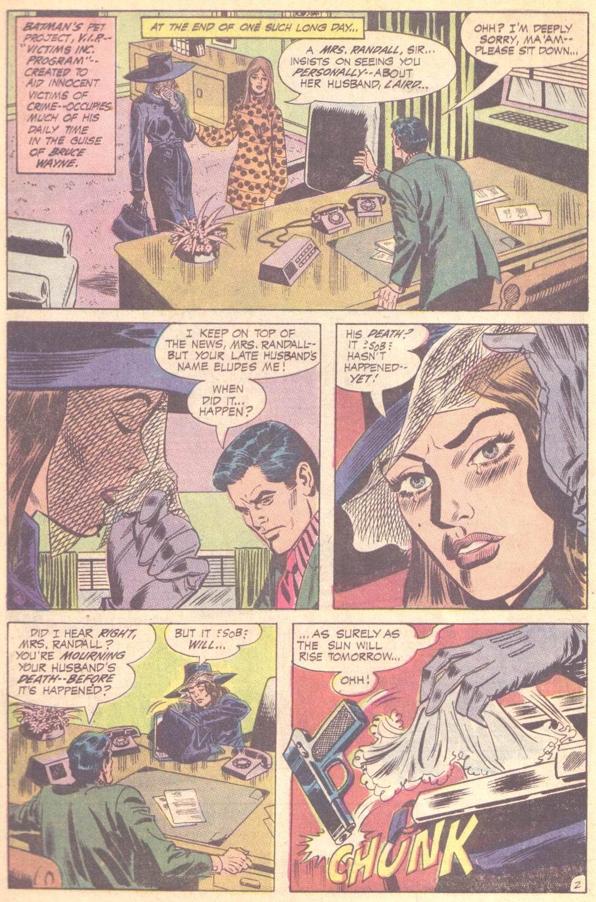 Detective Comics (1937) 403 Page 3