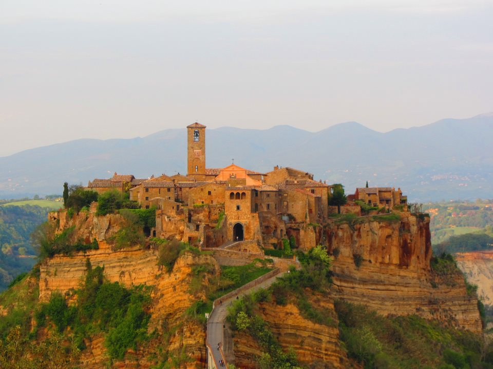 L 39 emigrante alternativo civita di bagnoregio - Civita di bagno ...