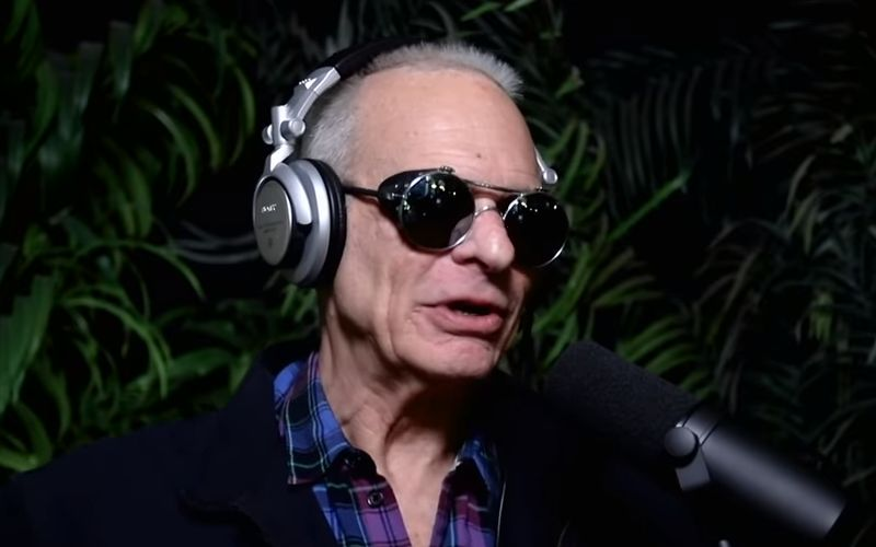 Hennemusic David Lee Roth Heads To Las Vegas On The Roth Show