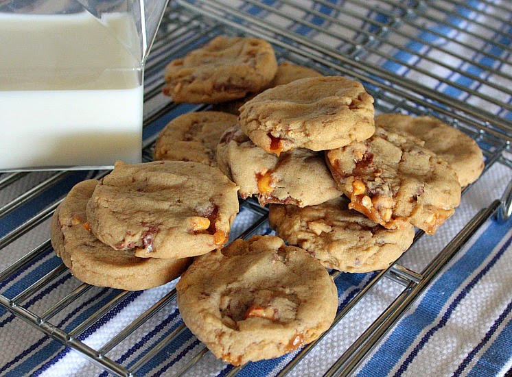 soft chewy snickers cookies