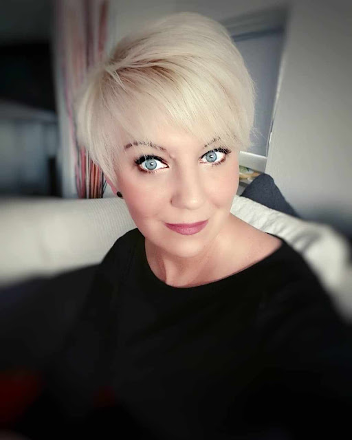 short hairstyles for old women over 60