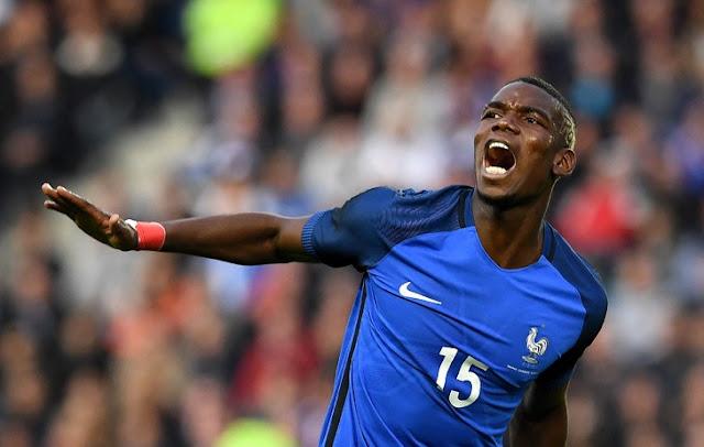 Paul Pogba furieux après un raté lors d'une rencontre amical des bleus