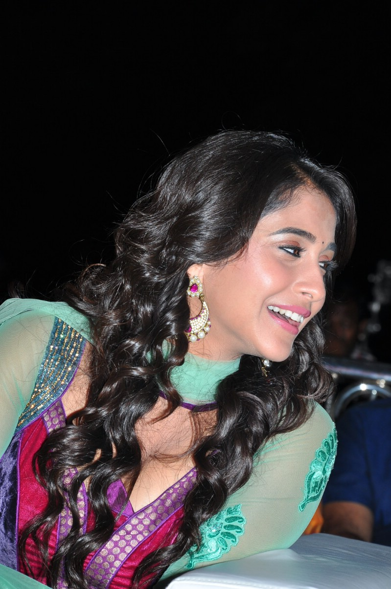Regina Cassandra Latest Photos In Green Dress