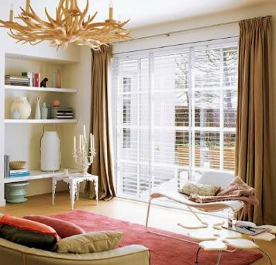 Las cortinas y stores en el comedor