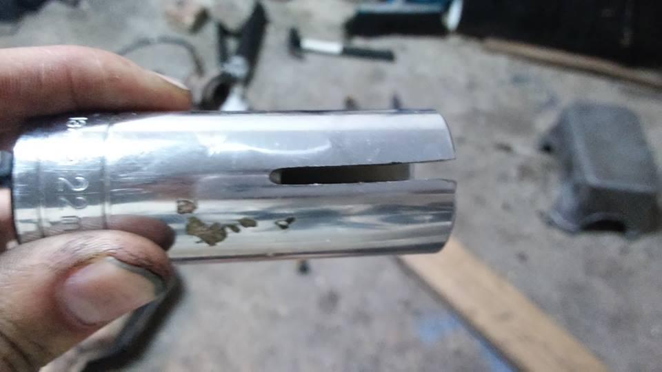 Saab95DIY: Replacing leaking Oil sensor (also good for
