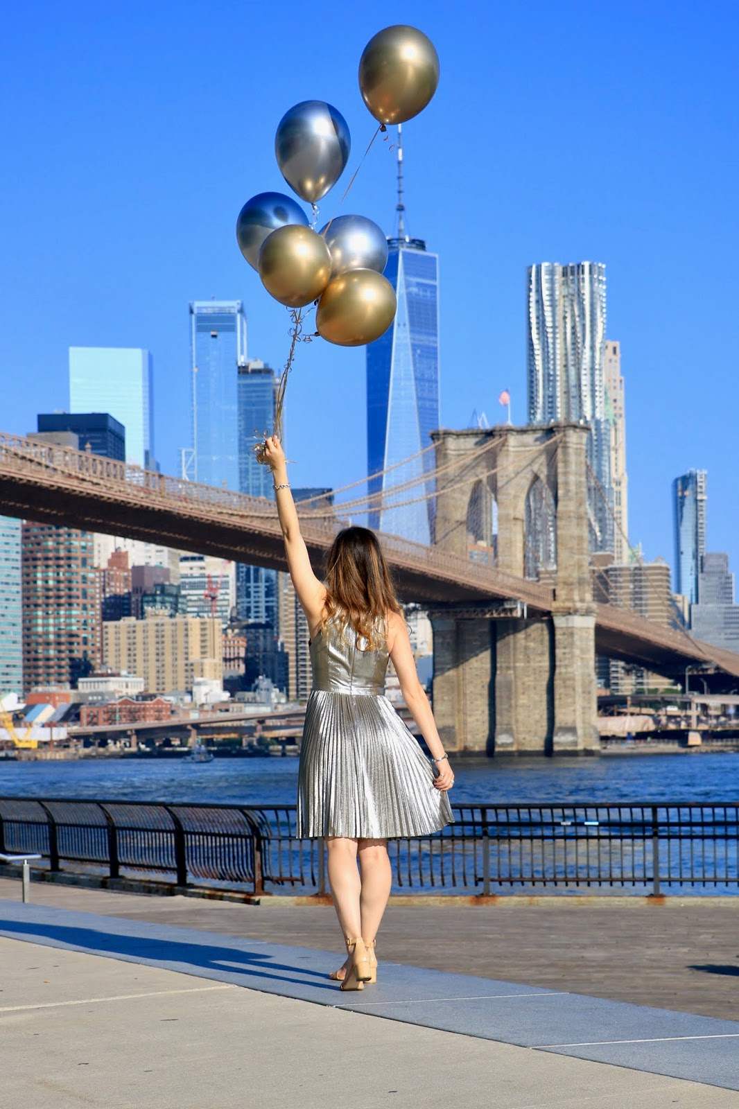 Nyc fashion blogger Kathleen Harper's Brooklyn Bridge photo shoot