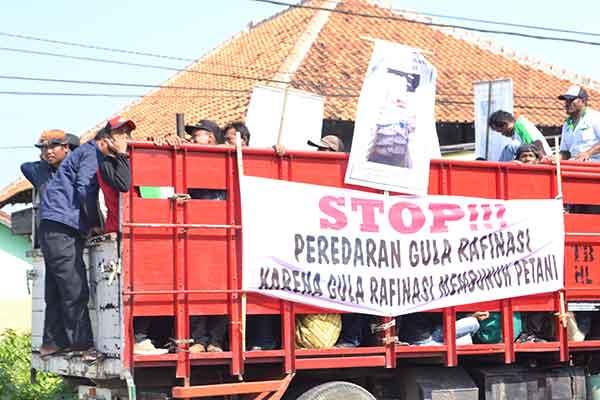 petani tebu datangi datangi disdagin kabupaten cirebon